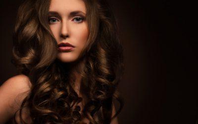 Wizytówka każdej kobiety, czyli jak zadbać o piękne i zdrowe włosy